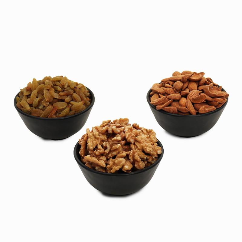 Premium Value Pack of Mamra, Walnut, and Green Raisin (Mamra, Aakhrot, Hari Kishmish)